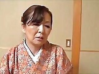 Busty Japanese granny Kagami Sakuraba gets fucked